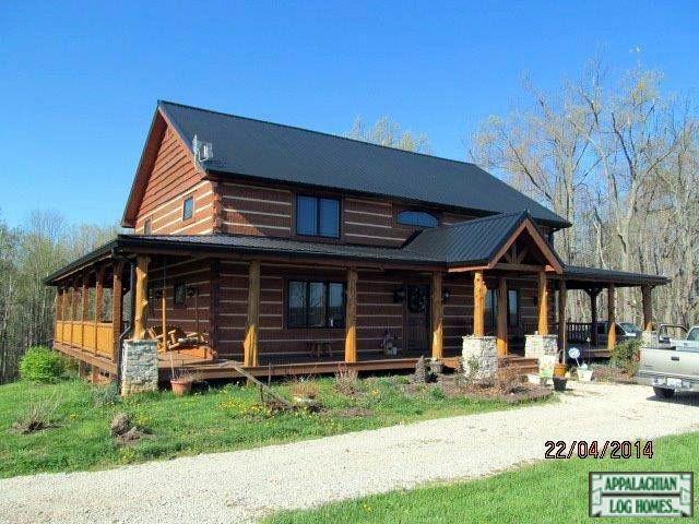 Log Home With Black Metal Roof Homes I Like In 2019