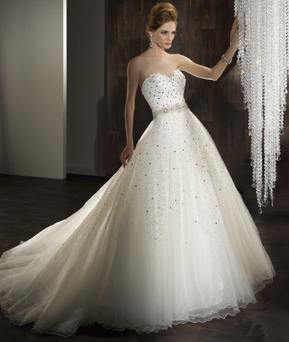 Dimitri Wedding Gowns: Ilissa Style 525 By Demetrios