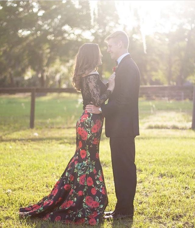 **Customer Spotlight** Our customer @sarakatehilliard looks so stunning in her floral 2-piece by @lafemmefashion . Thank you for allowing French Novelty to be a part of your special day!   #frenchnovelty #lafemmefashion #prom2k17 #promdress #2piecedress #jacksonvilleprom #customerappreciation
