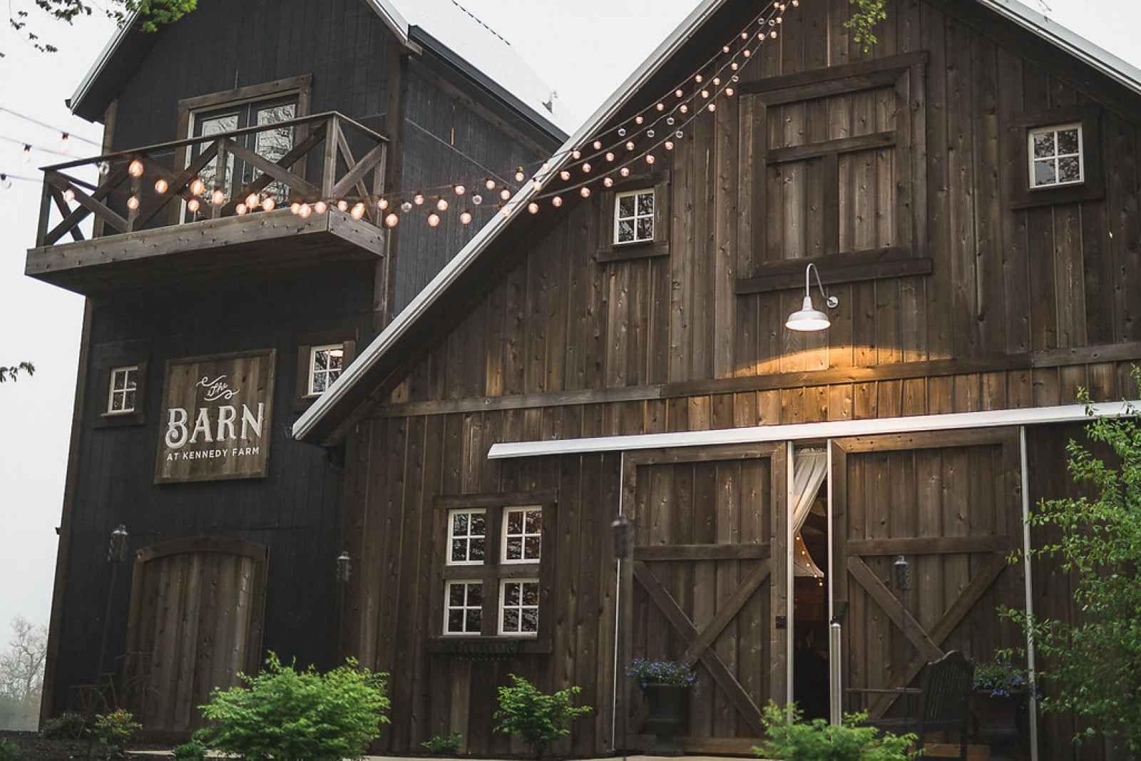 Rustic Indiana barn venue - The Wedding Story of Kaylee ...