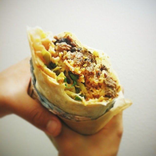 집앞에 온 #kogitruck 에서 먹은 #갈비부리또 #맛있다 히히  #kogitruck#burrito#yummy#foodtruck#shortribburrito
