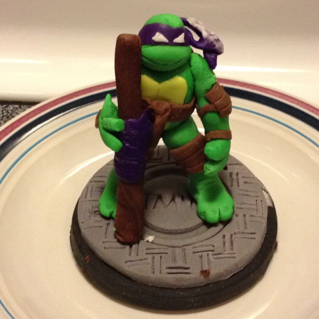 Donatello fondant cupcake decoration!