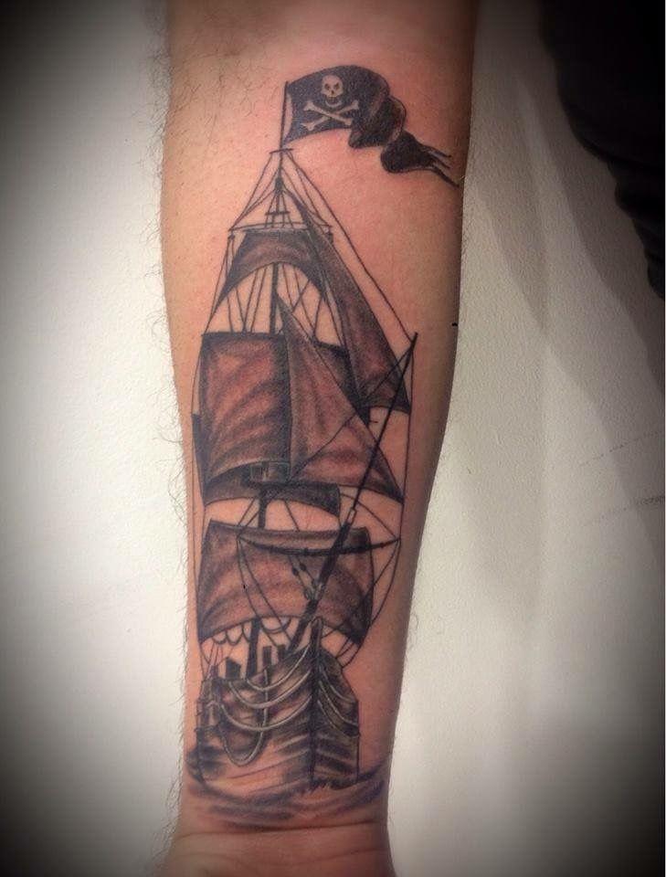 piratas by Edgar Ponce