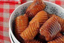 Dolci Natalizi Calabresi.Come Preparare I Crustoli Tipici Dolci Natalizi Calabresi