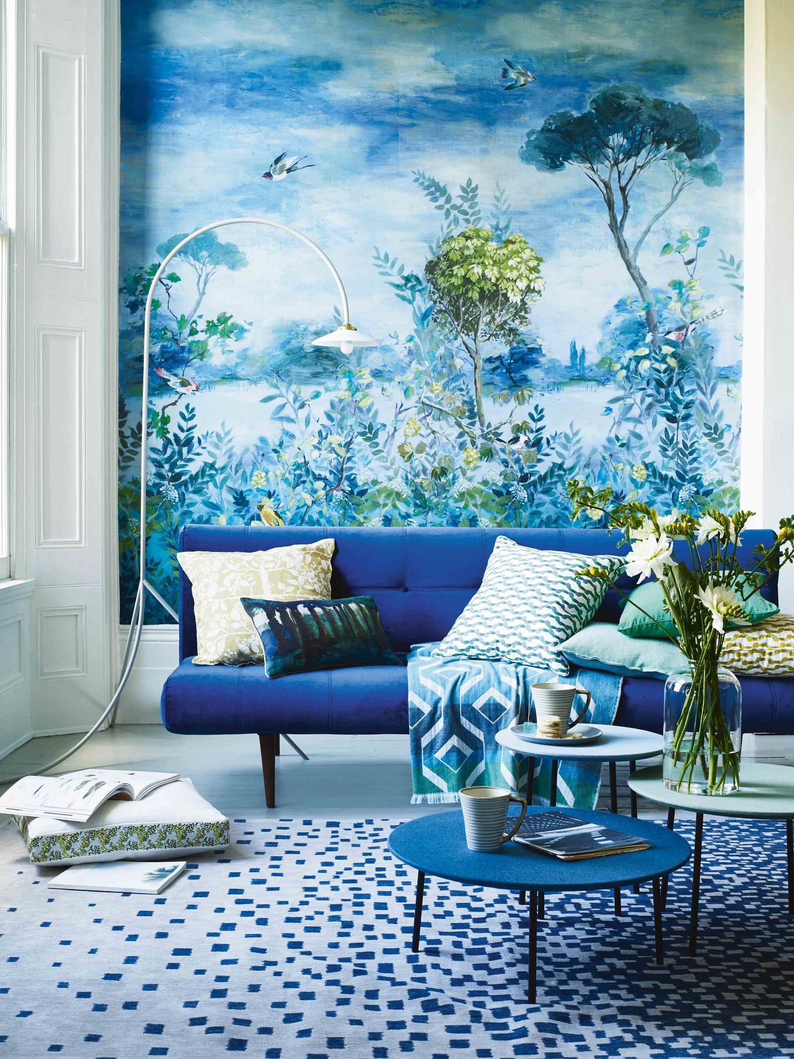 How To Bring The Outside In With Nature Inspired Wallpaper Murals Winter Interior Design Interior Wallpaper Decor