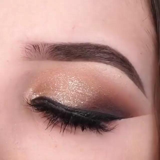 Glamorous Eye Shadow Look Tutorial