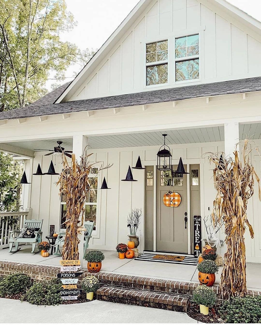 999 Best Farmhouse Decoration Ideas #farmhouse #home #farmhousedecor #fallfrontporchdecor