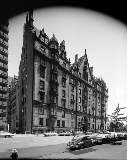 Dakota Apartments 1 West 72nd Street Nyc In The 1970s With