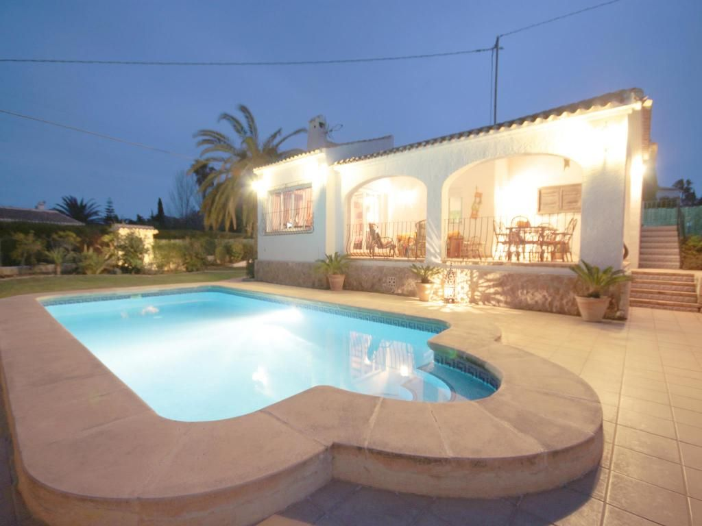 Wonderful and cheerful villa with private pool in Javea