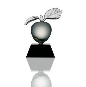 Celebrate Back-To-School with an apple the teacher will never forget!! www.frabelglass.com