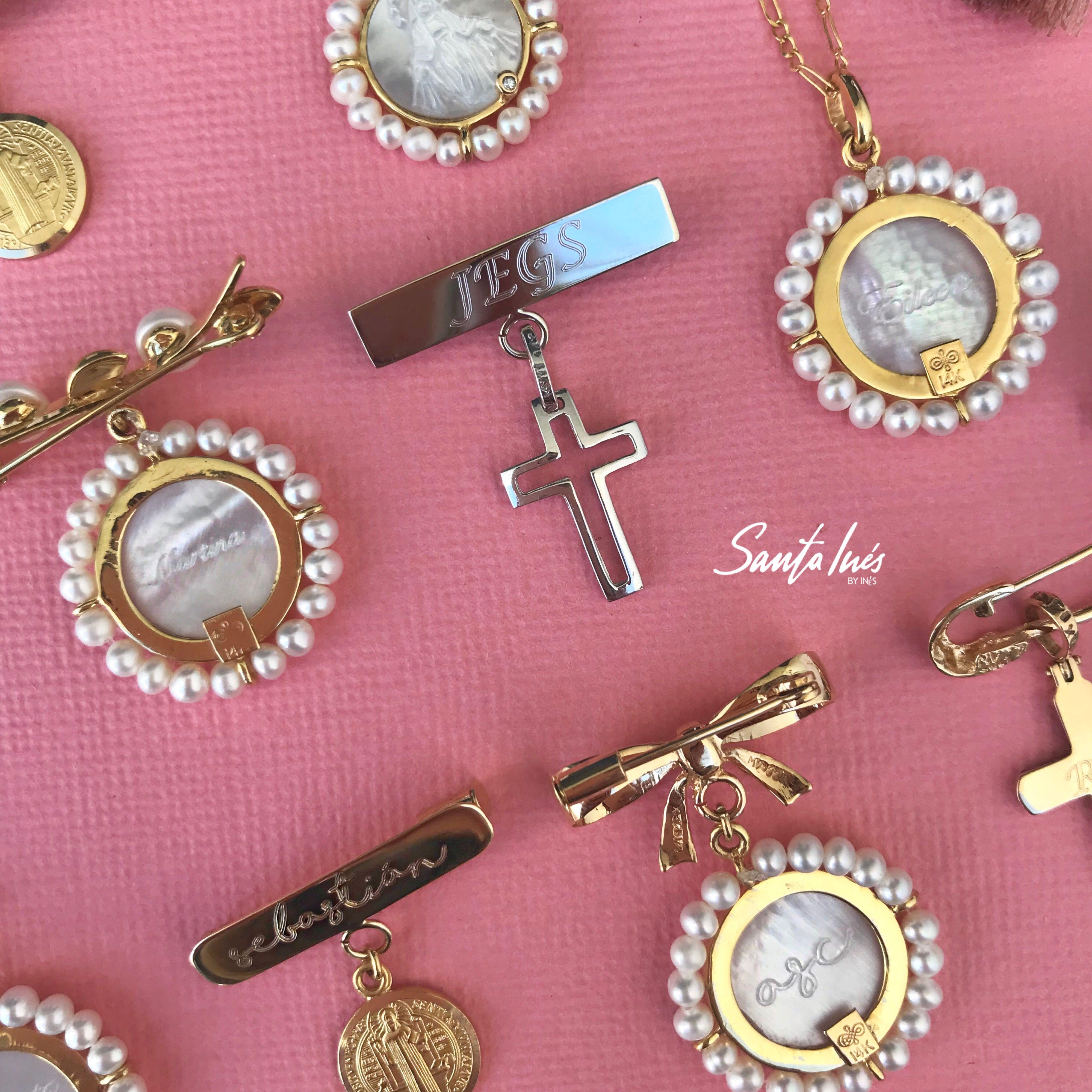 78d9d0510cc5 Joyería religiosa personalizada para bautizo y primera comunión en oro 14k  de Santa Inés