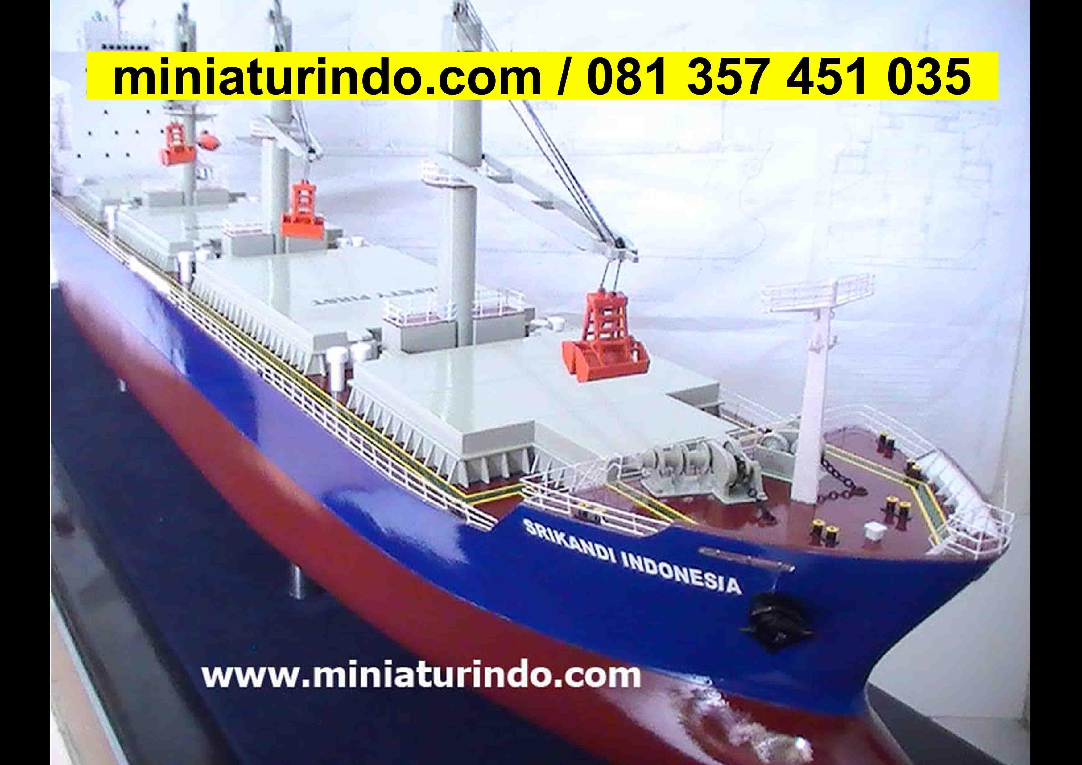 Kapal Laut Unikuang Logam Terbuat Dari Apareplika Kapal Perang