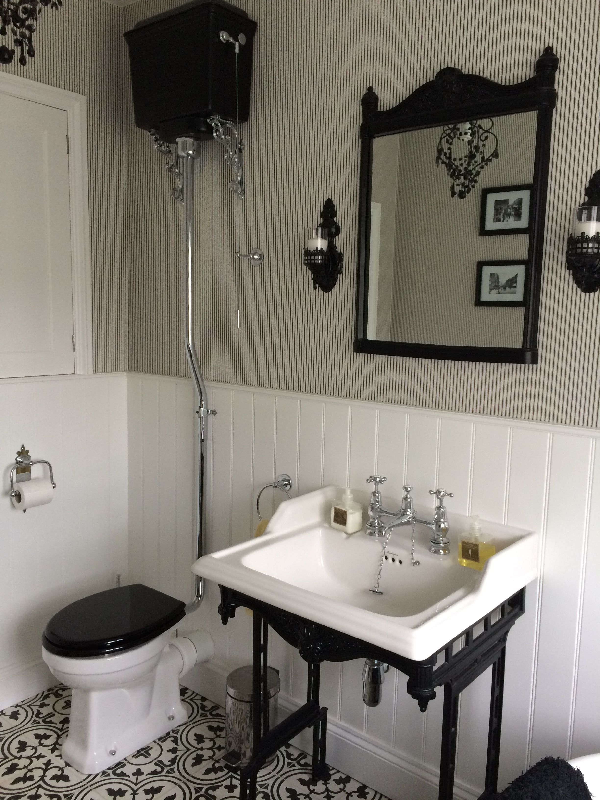 Vintage black and white bathroom ideas - Bathroom Burlington High Level Toilet Mirror Classic Washstand In Black