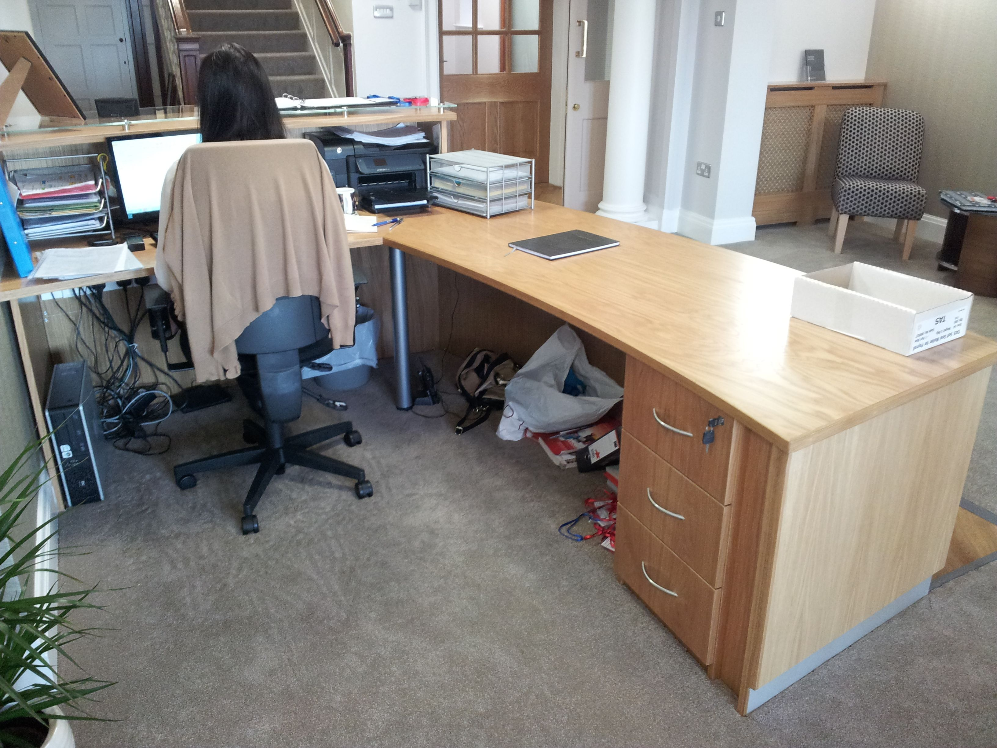 School Reception Desk In Oak Veneer With Small Pedestal And A Raise Section  With A Glass