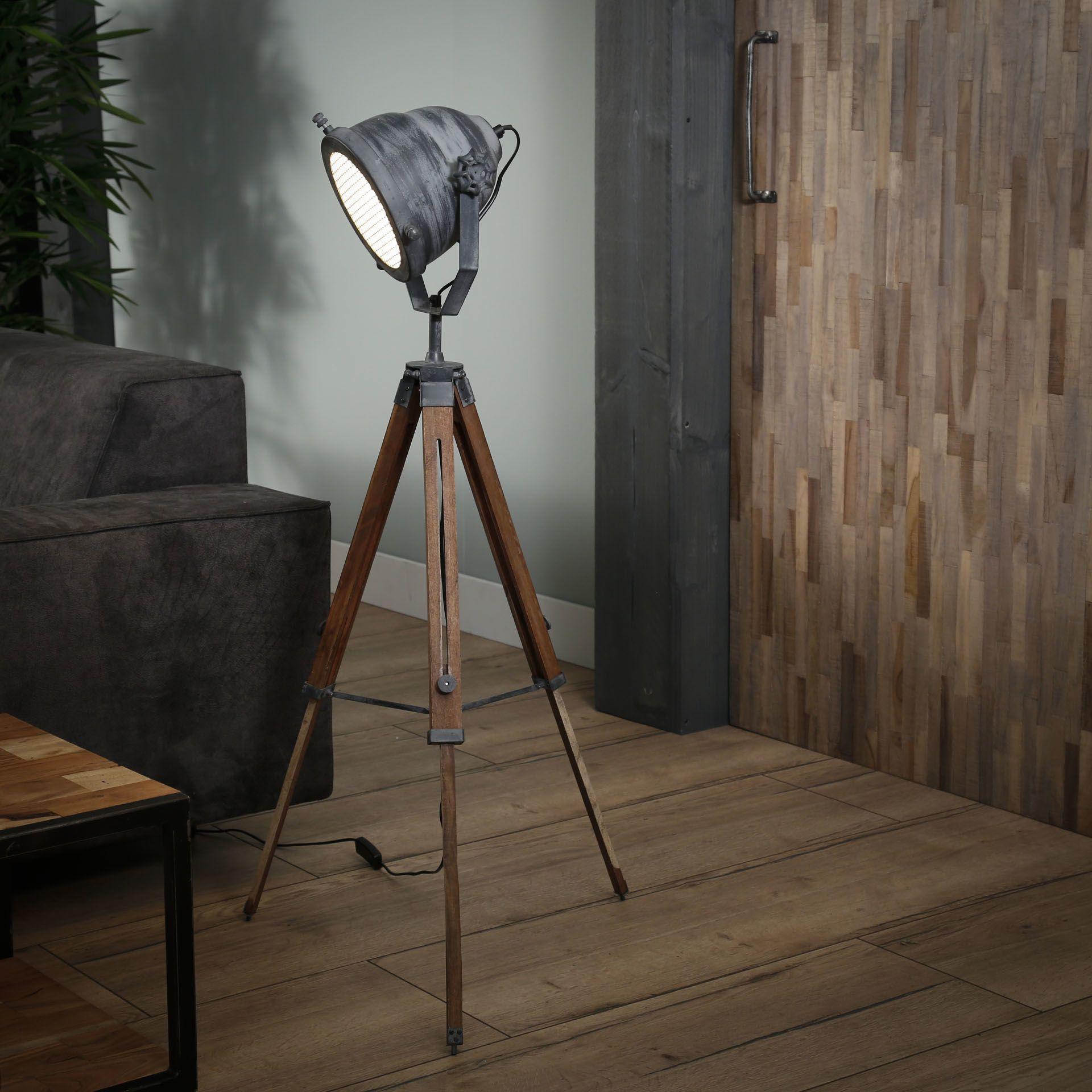 Stehlampe Laura Dreibein Betonlook in 2020 | Stehlampe