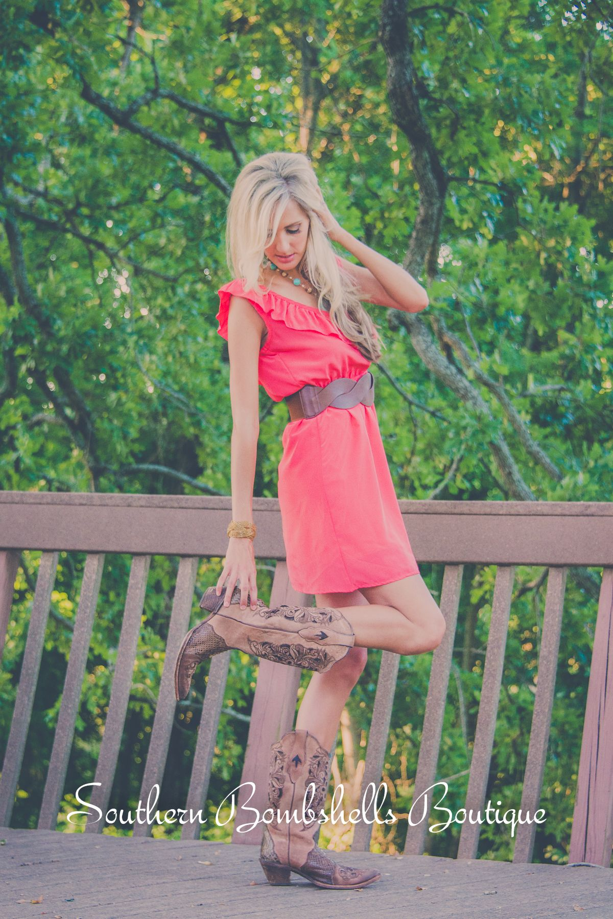 Cute coral dress with cowgirl boots!! | Outfits I love ...