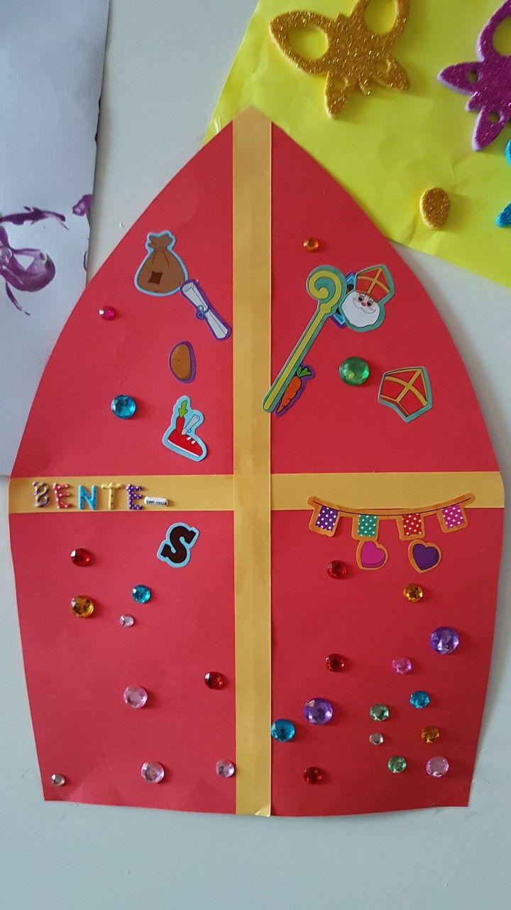 Wonderbaarlijk Mijter van Sinterklaas. Gestickerd door 2-jarige.   Knutselen voor DE-42