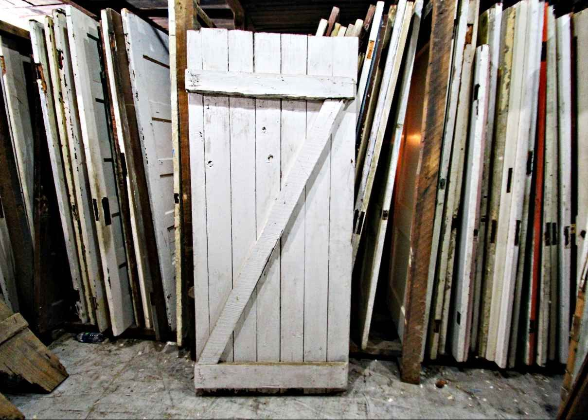 """Z Pattern Antique White Barn Door 34"""" x 76 1/4"""""""