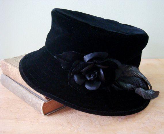e2ac772d365 Vintage Black Velvet Hat