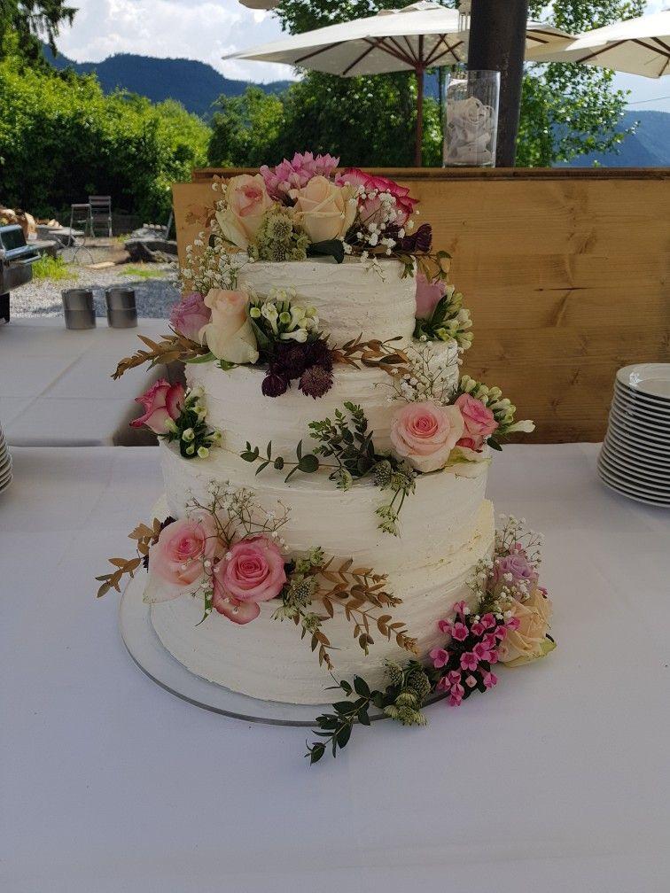 Hochzeitstorte Vintage Buttercreme Frische Blumen Ohne Fondant