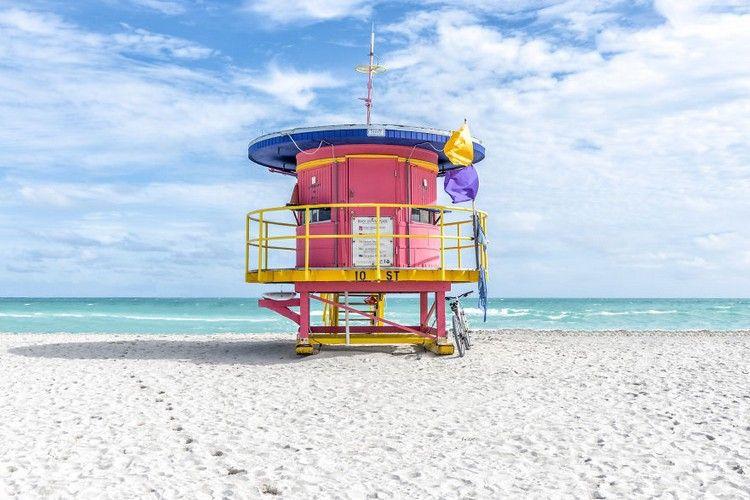 Photographer Captures Beautifully Colored Lifeguard Cabins