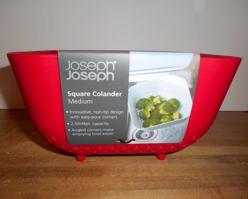 Joseph Joseph 40059 Square Colander Medium Black