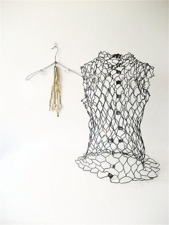 Vintage Wire Dress Form | Chicken wire, Dress form and Wire art