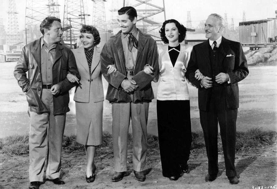 Spencer Tracy, Claudette Colbert, Clark Gable, Hedy Lamarr et Frank Morgan dans le film Boom Town, datant de 1940.