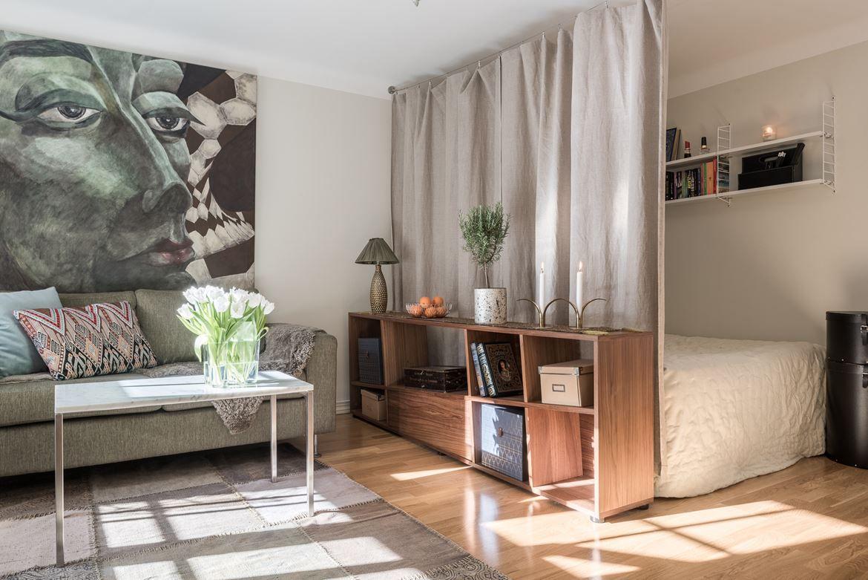 Sovalkov som avgränsas med draperi Bondegatan 74A Bjurfors Living room bedroom Pinterest