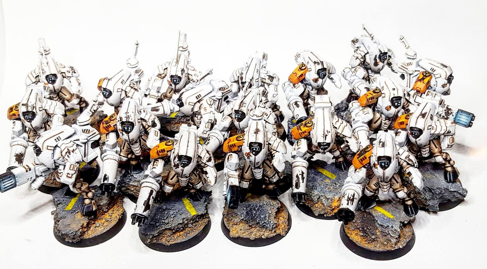 XV25 Tau Stealth Battlesuits - Titian Miniatures Painting
