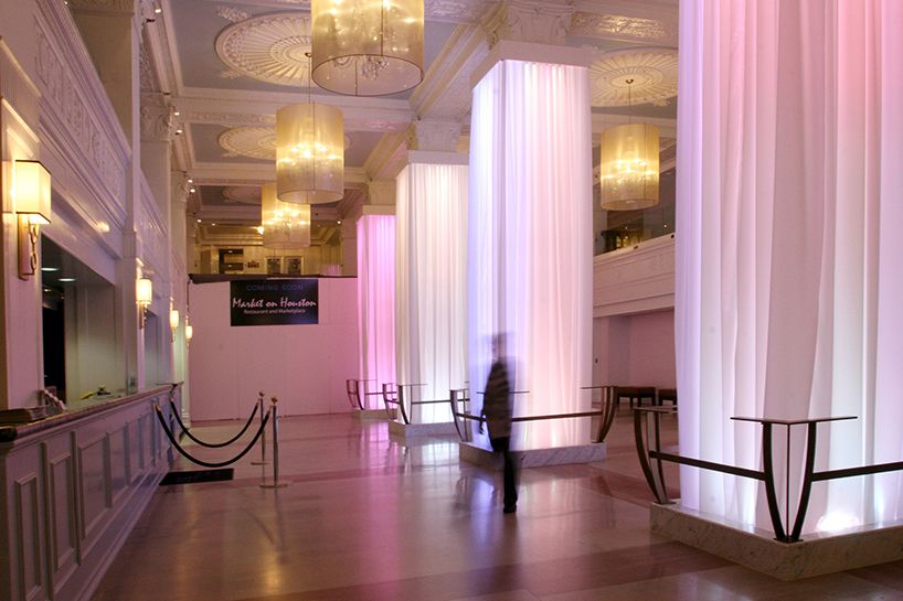 arktonic installs communication on color in sheraton gunter hotel lobby in san antonio, TX, USA