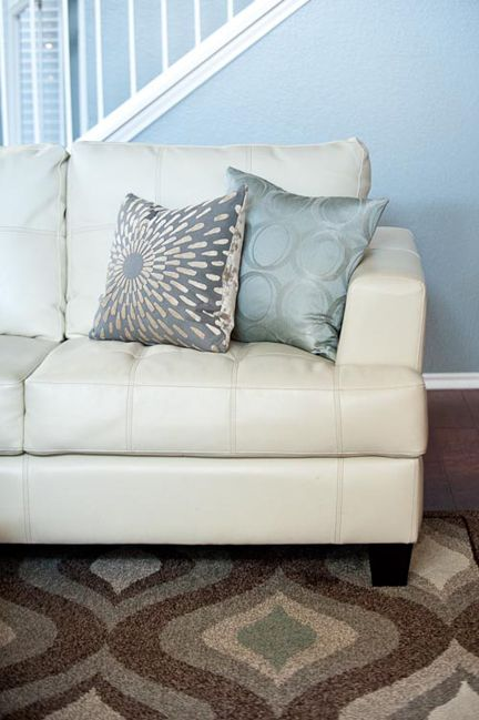 Best Cream Leather Sofa Spa Gray Beige Pillows Living Room 400 x 300