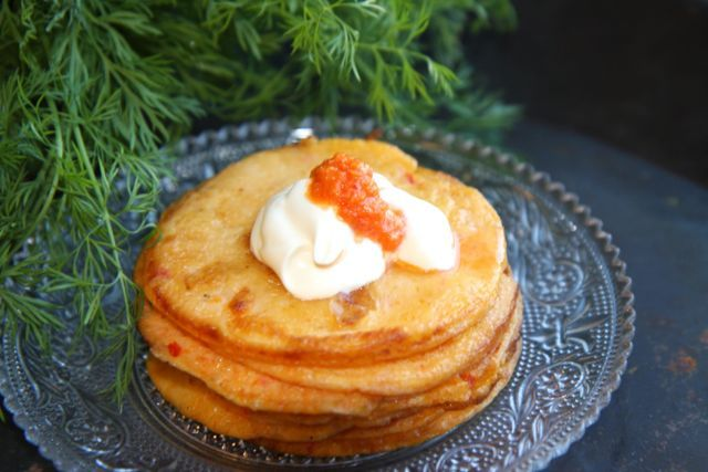 Pancakes with red, sweet peppers. Here's how you make it. Recipe for both babies and adults.