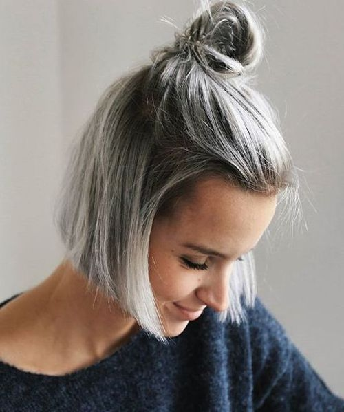 messy top knot hairstyle ideas for short hairs 2017 braids hairstyles 2017 pinterest haar. Black Bedroom Furniture Sets. Home Design Ideas