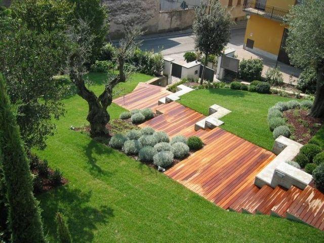 Moderne Holztreppe Modern Geometrisch Rasen Grün #Garten #Modern