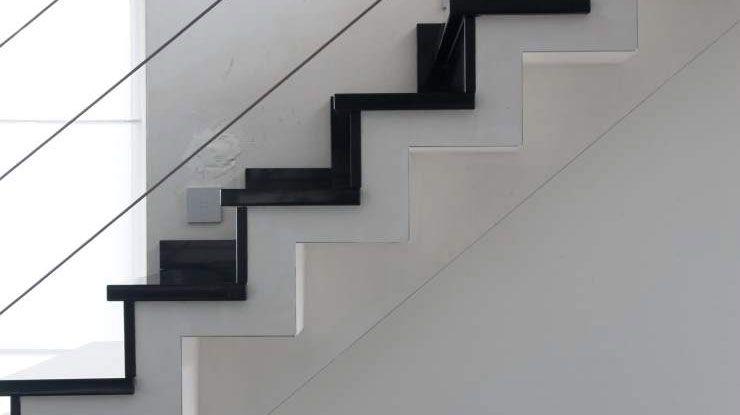 Trap natuursteen natuurstenen trap artimar natuursteen