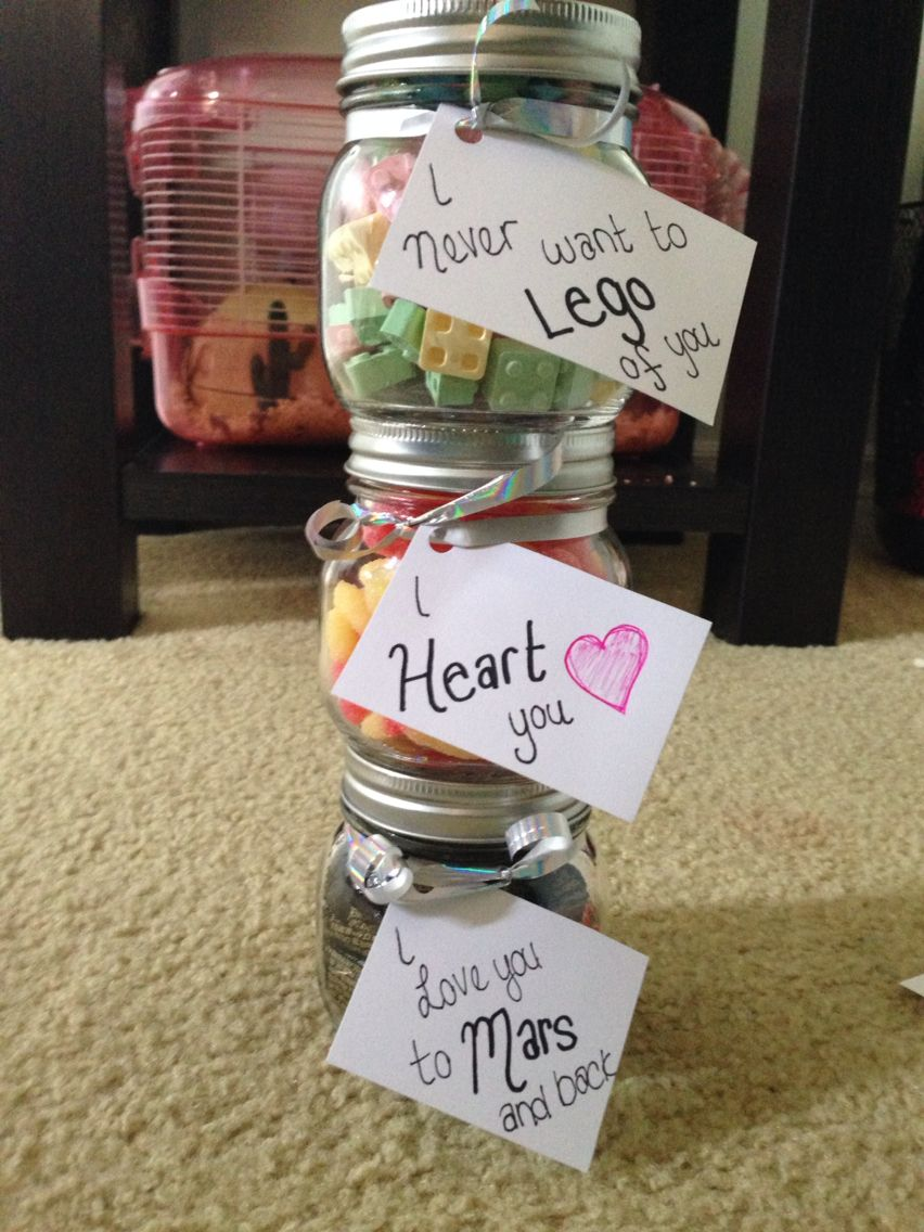 Cute homemade candy jar presents for boyfriend for Homemade christmas gift baskets for couples