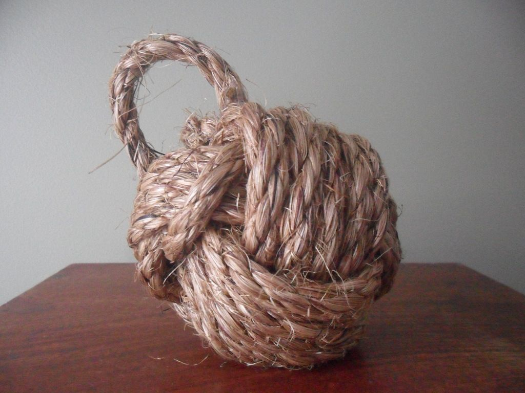 Monkey knot door stop diy ideas pinterest rope knots and monkey knot - Knot door stopper ...