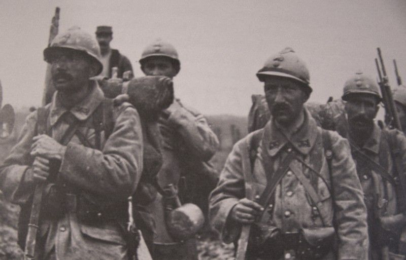 Image result for WW1 FRENCH SOLDIERS IN HELMETS