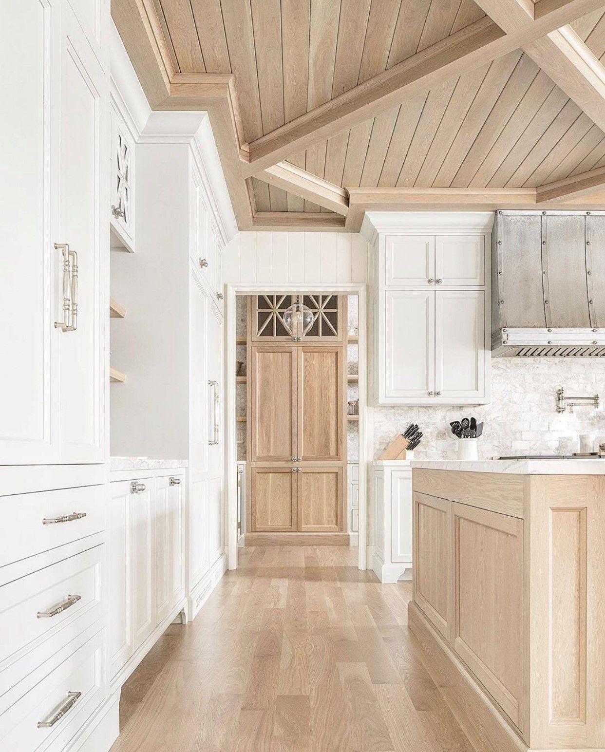Beautiful and bright kitchen design   White oak kitchen, Home ...