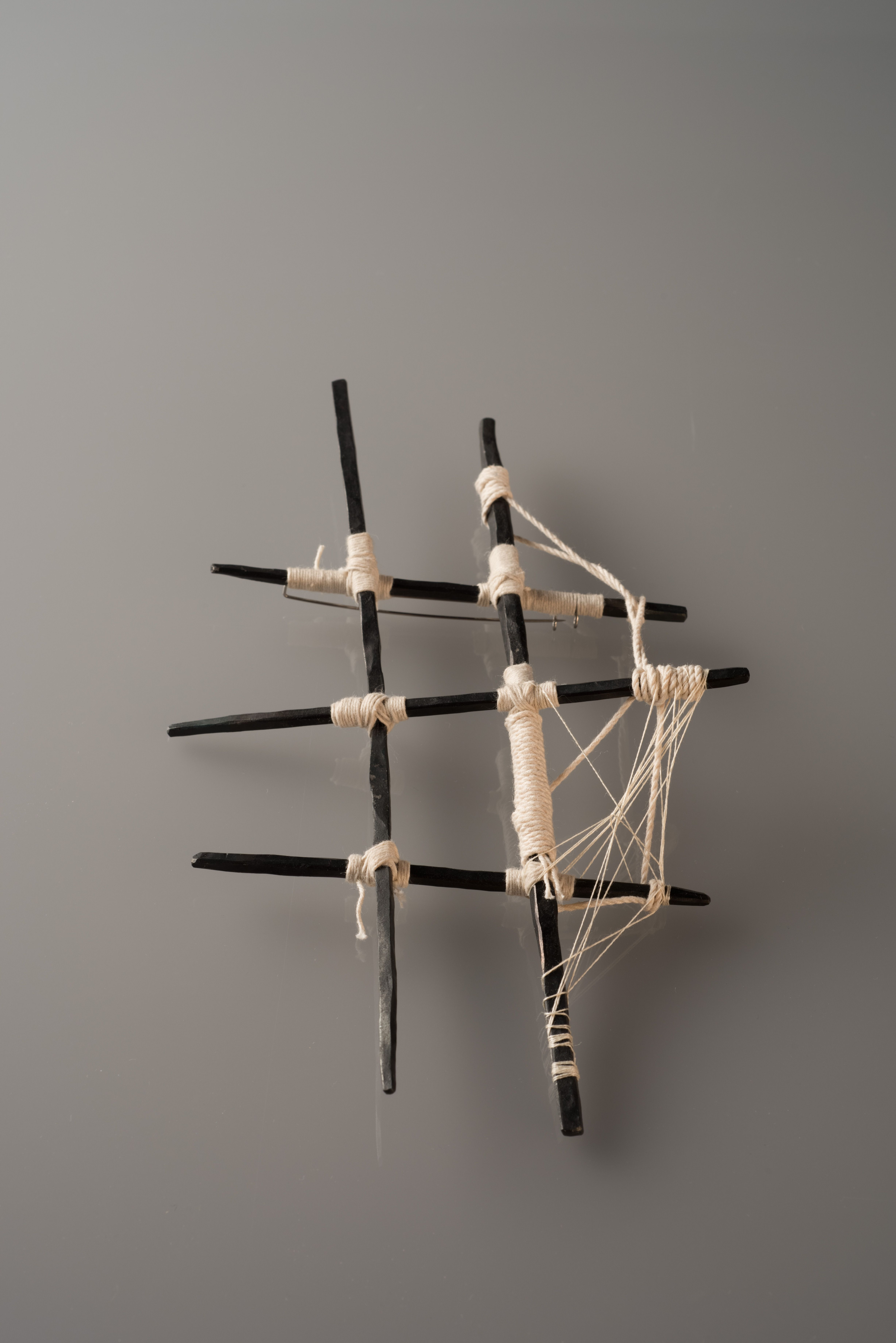 Moritz_Rasch- Great Piece! Could be inspiration for wall sculpture or free standing?