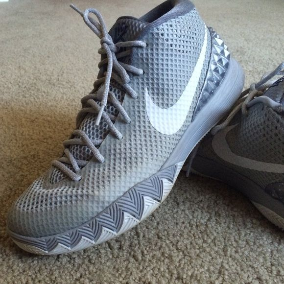 Wolf gray kyrie almost brand-new only worn twice Kyrie wolf gray nikes these are men's Nike Shoes Sneakers