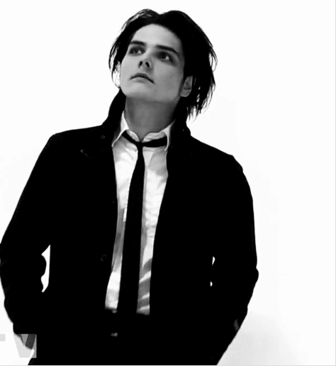 Black And White Gerard Way Xox Gerard Way Black Parade Gerard Way Gerard Way Wife