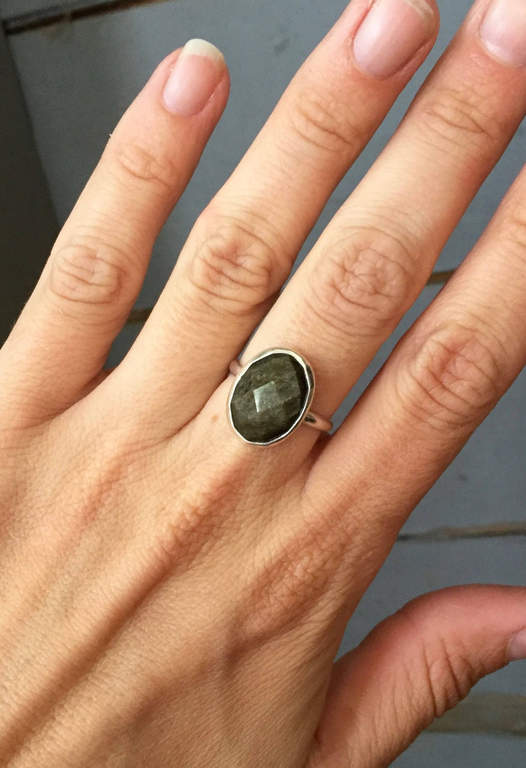 Solar ring with its golden obsidian