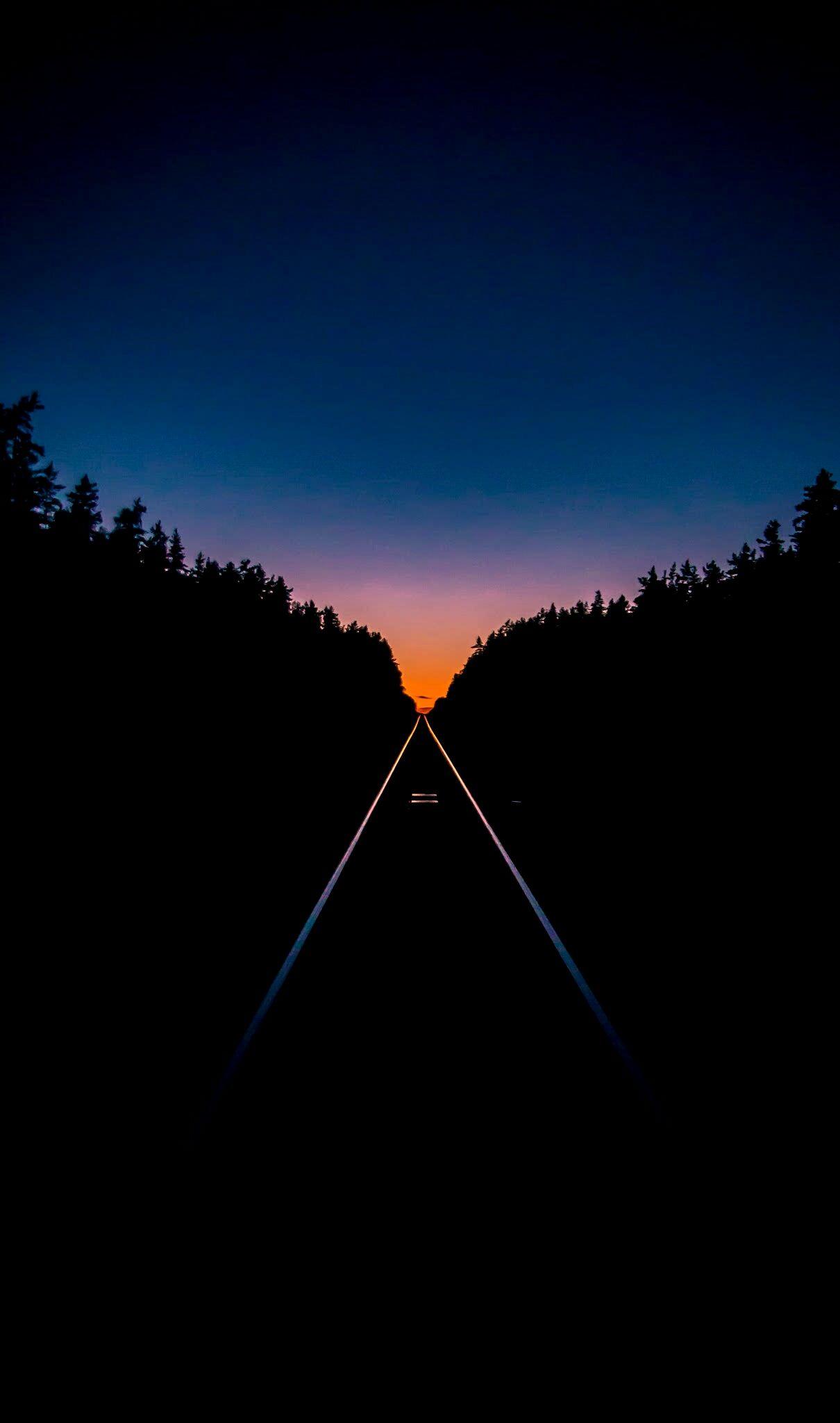 Train Tracks At Sunset X Post From R Amoledbackgrounds S10 Wallpaper Wallpaper Dark Wallpaper