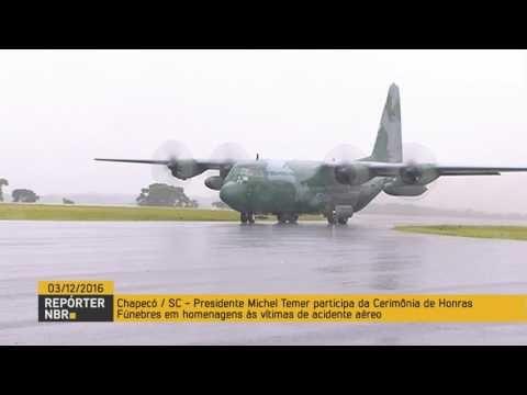 Aeronaves da Força Aérea Brasileira chegam em Chapecó com corpos de víti...