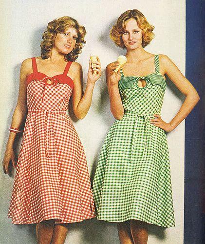Summer Dresses 70s Style 1975: Vintage Clothing Online, Rain