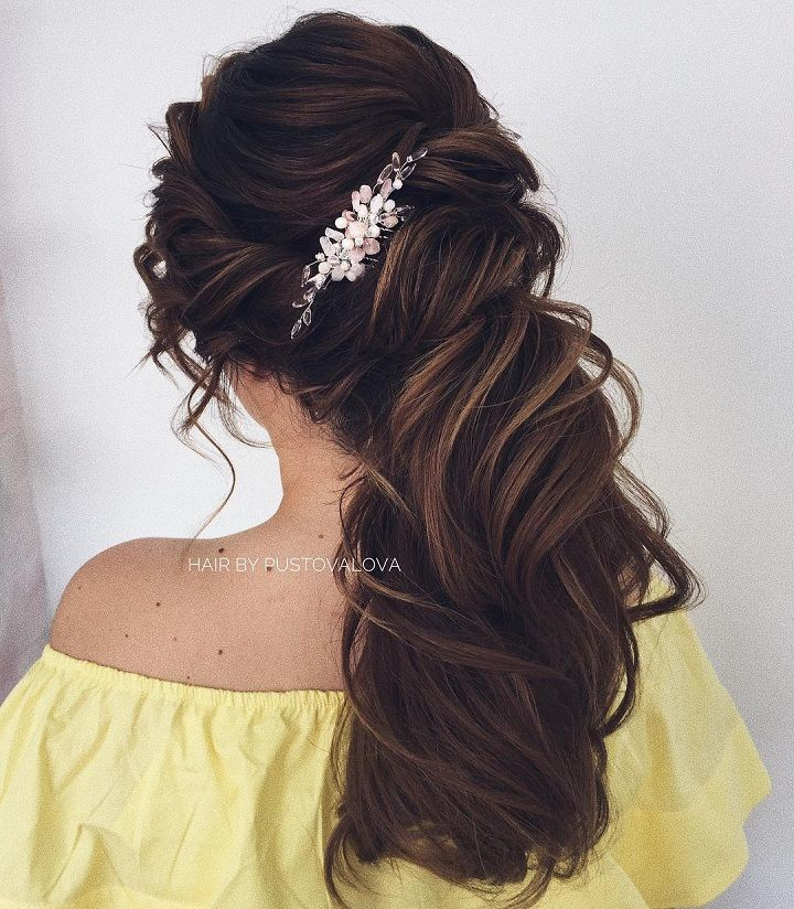 Hair down hairstyle inspiration | wedding hairstyle with hair accessories #bridalhair #updo #weddinghairstyle #hairstyles #messyupdohairstyle #halfuphairideas #updohairstyles #weddinghairinspiration