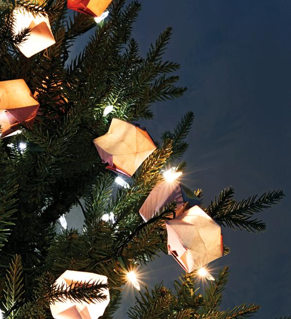 How To Make Paper Origami Christmas Tree Lights Chatelaine Christmas Origami Origami Christmas Tree Christmas Diy