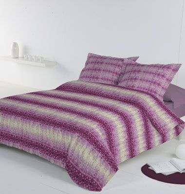 #DDecor #ItajmeBeetrootPurple #DesignInpsiration#DDecor #Couch #Fabric #Design #Art #Cushion#HomeDecor #Interior